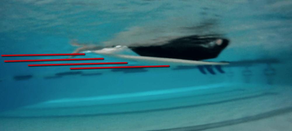 Rob Case Positionierung auf dem Surf Board