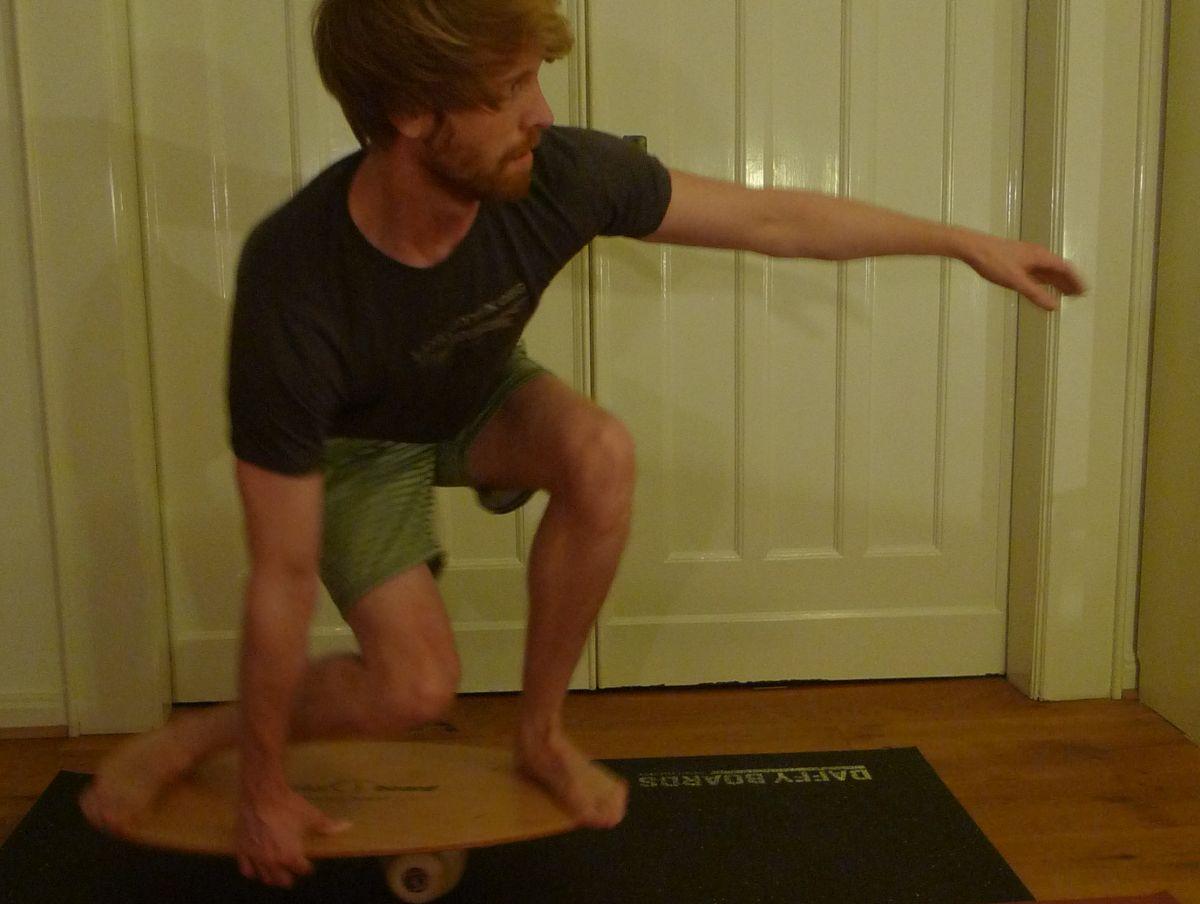 Bild: In Gedanken in den Backside Barrel ;-) Balance Boards bringen Stabilität und Power in den Beinen.