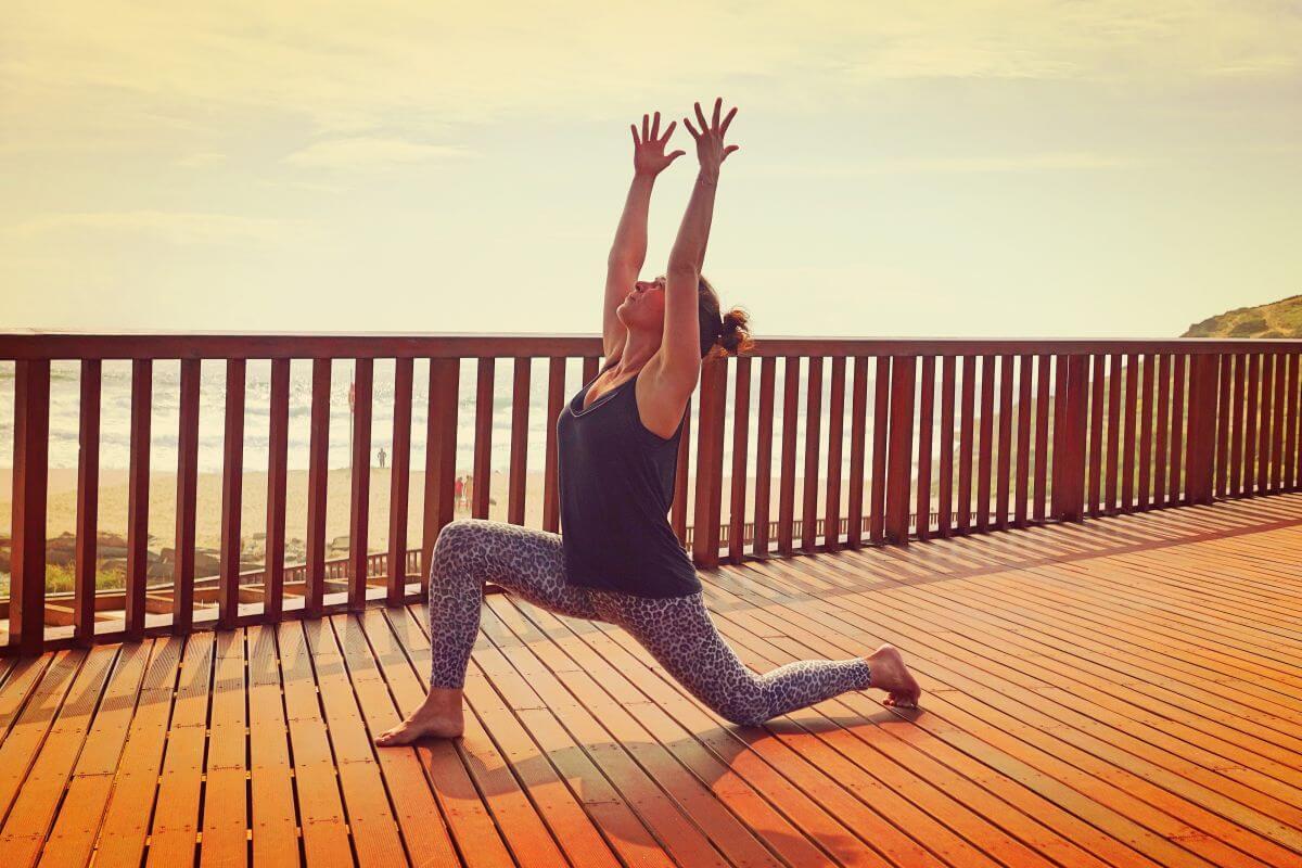 Yoga & Surfen Ausfallschritt