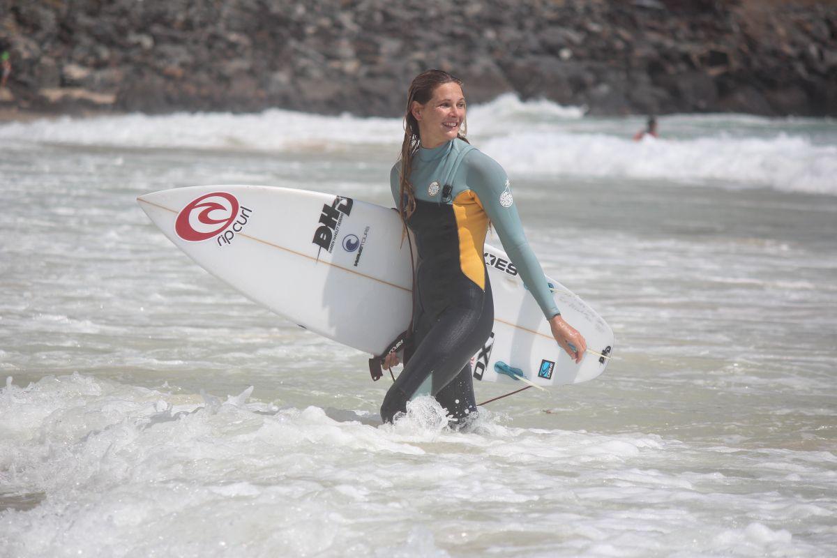 Valeska Schneider – Die deutsche Surf-Senkrechtstarterin im Interview